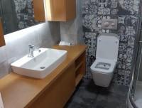 Çeşme Alaçatı Komple Banyo Yapılmıştır